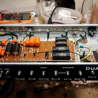 Bespoke custom vintage DUALIST Type R tube amplifier internal hand wiring