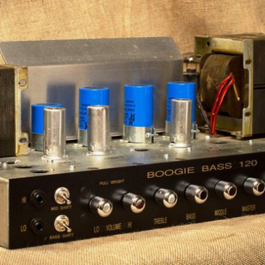 Custom boogie bass 120 amplifier